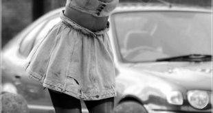 Girl Wallpaper- rhi rhi