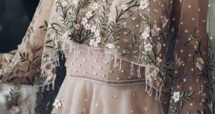 Bestickte Brautkleider bunte Stickerei Braut Trend