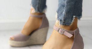 Kaufen Sie jetzt bei Joyshoet Espadrille Wedge Sandals mit Knöchelriemen ...